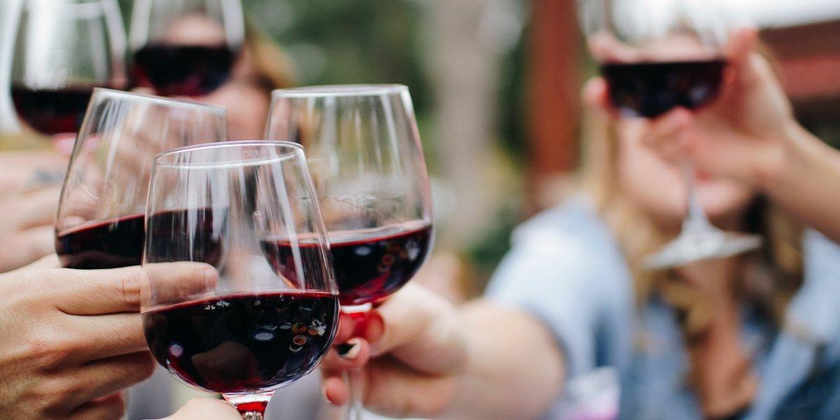 vino-rosso-proprieta-benefiche